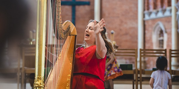 Bach to Baby programme image - The Golden Harp